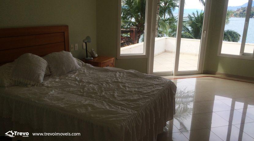 Linda-casa-a-venda-em-Ilhabela-na-costeira-e-prainha-particular16