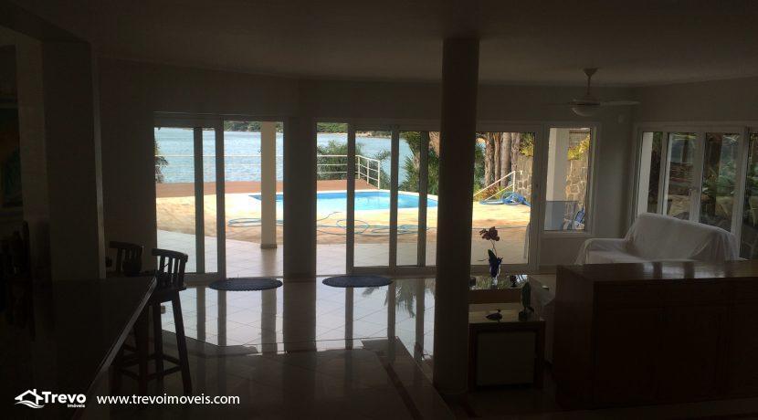 Linda-casa-a-venda-em-Ilhabela-na-costeira-e-prainha-particular24