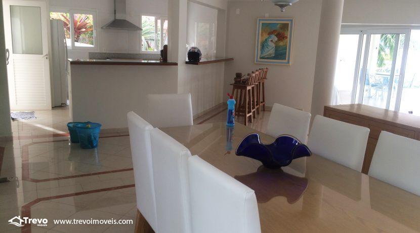 Linda-casa-a-venda-em-Ilhabela-na-costeira-e-prainha-particular25