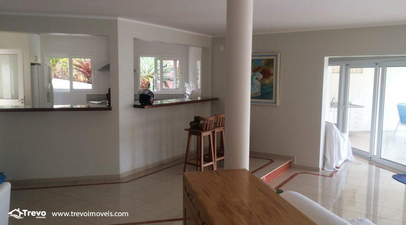 Linda-casa-a-venda-em-Ilhabela-na-costeira-e-prainha-particular26