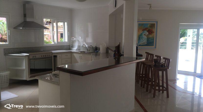 Linda-casa-a-venda-em-Ilhabela-na-costeira-e-prainha-particular28