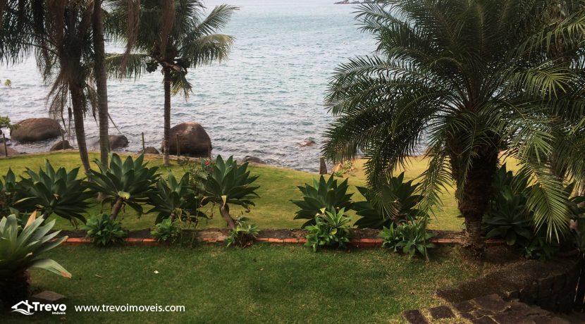 Linda-casa-a-venda-em-Ilhabela-na-costeira-e-prainha-particular29