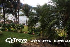 Linda-casa-a-venda-em-Ilhabela-na-costeira-e-prainha-particular31