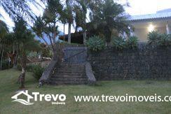 Linda-casa-a-venda-em-Ilhabela-na-costeira-e-prainha-particular7