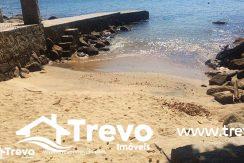 Casa-de-luxo-frente-ao-mar-em-Ilhabela-30-800x460