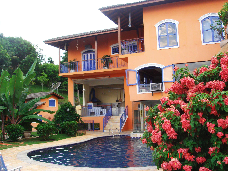 Linda casa em região nobre de Ilhabela