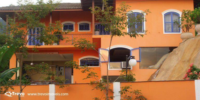 Linda-casa-em-região-nobre-de-Ilhabela33