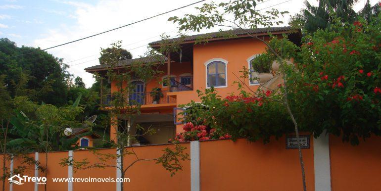 Linda-casa-em-região-nobre-de-Ilhabela34