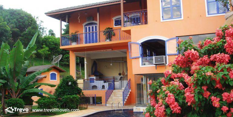 Linda-casa-em-região-nobre-de-Ilhabela35