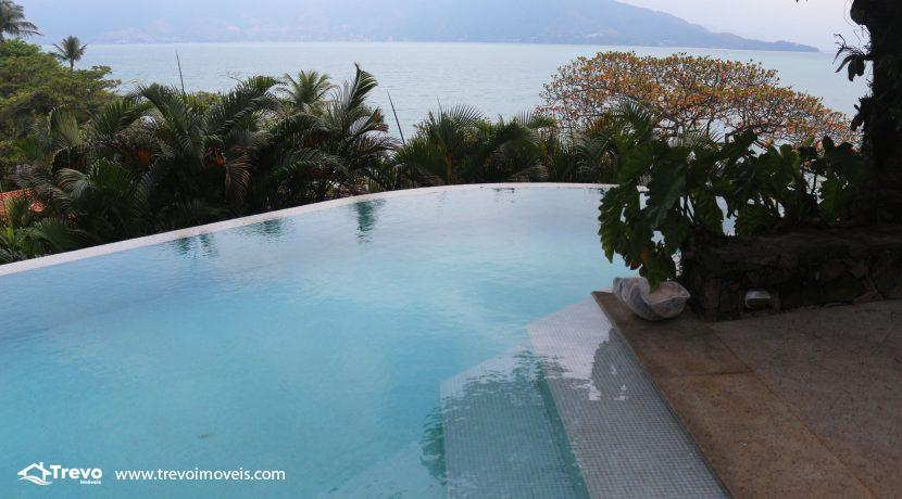 Casa-charmosa-pé-na-areia-em-Ilhabela13