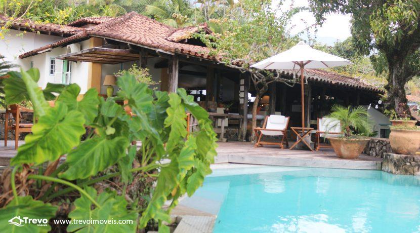 Casa-charmosa-pé-na-areia-em-Ilhabela15