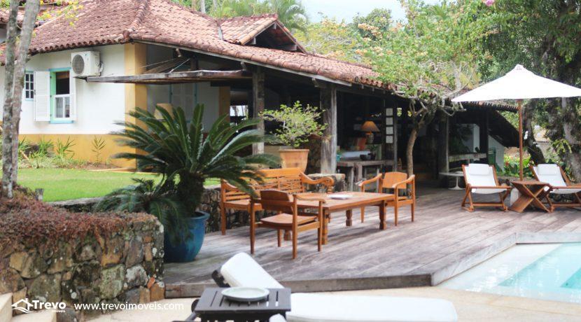 Casa-charmosa-pé-na-areia-em-Ilhabela17