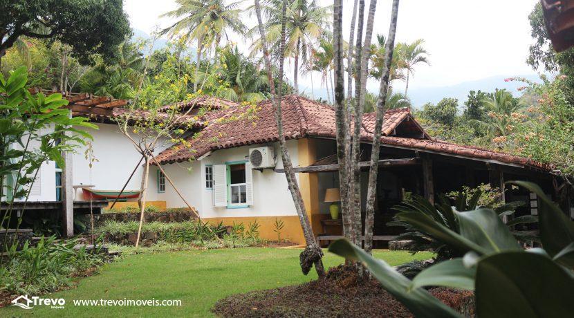 Casa-charmosa-pé-na-areia-em-Ilhabela18