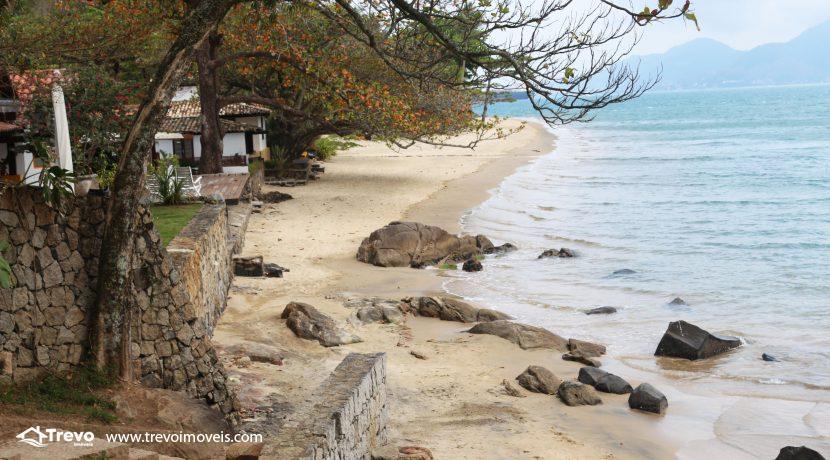 Casa-charmosa-pé-na-areia-em-Ilhabela25