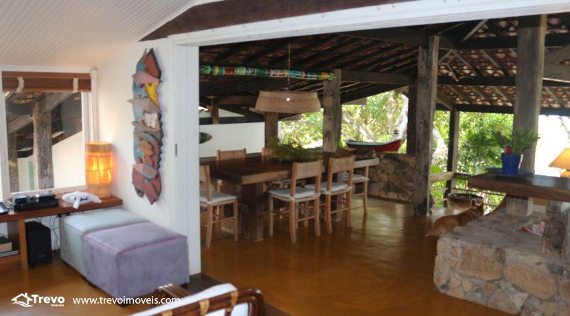 Casa-charmosa-pé-na-areia-em-Ilhabela30