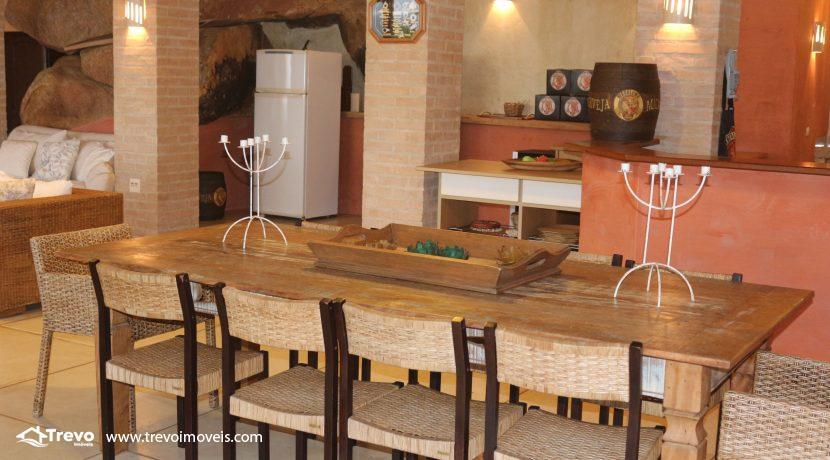 Casa-de-luxo-na-costeira-em-Ilhabela36