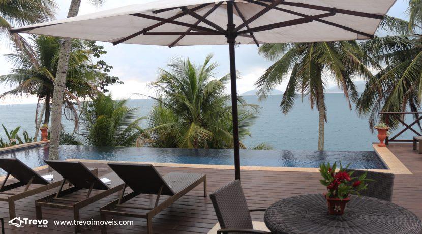 Casa-de-luxo-na-costeira-em-Ilhabela47