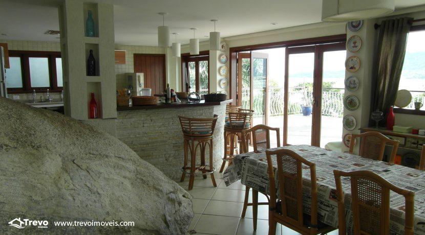 Linda-casa-de-costeira-em-Ilhabela26