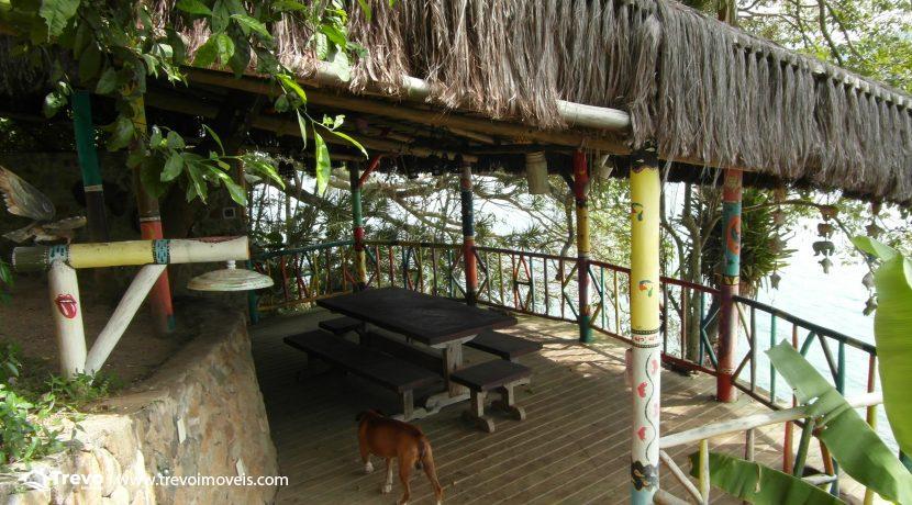 Linda-casa-de-costeira-em-Ilhabela37