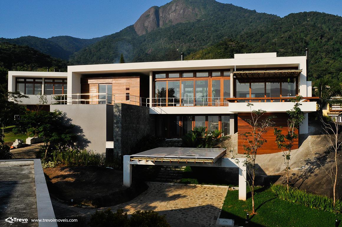 Casa de luxo em condomínio fechado em Ilhabela