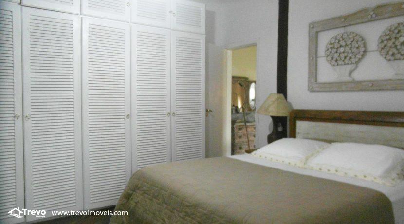 Linda-casa-a-venda-em-condomínio-fechado-em-Ilhabela16