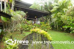Linda-casa-a-venda-em-condomínio-fechado-em-Ilhabela21