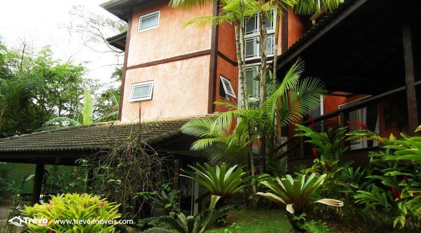 Linda-casa-a-venda-em-condomínio-fechado-em-Ilhabela24