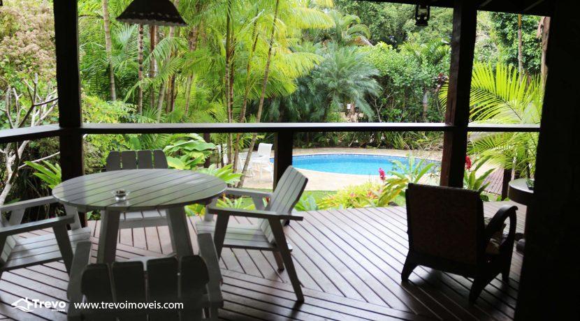 Linda-casa-a-venda-em-condomínio-fechado-em-Ilhabela36