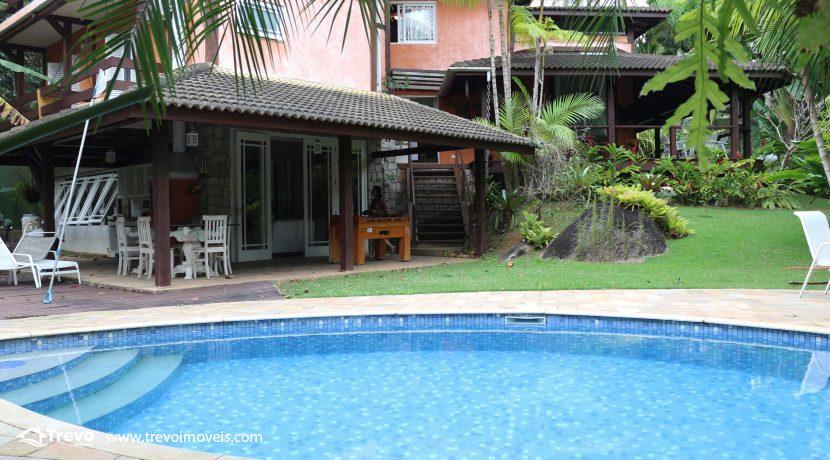 Linda-casa-a-venda-em-condomínio-fechado-em-Ilhabela47