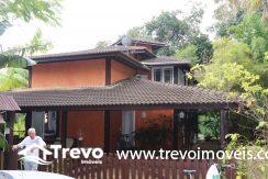 Linda-casa-a-venda-em-condomínio-fechado-em-Ilhabela57