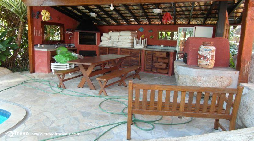 Casa-a-venda-no-centro-de-Ilhabela21