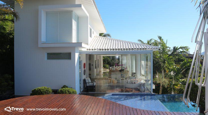 Casa-de-luxo-com-vista-para-o-mar-a-venda-em-Ilhabela24