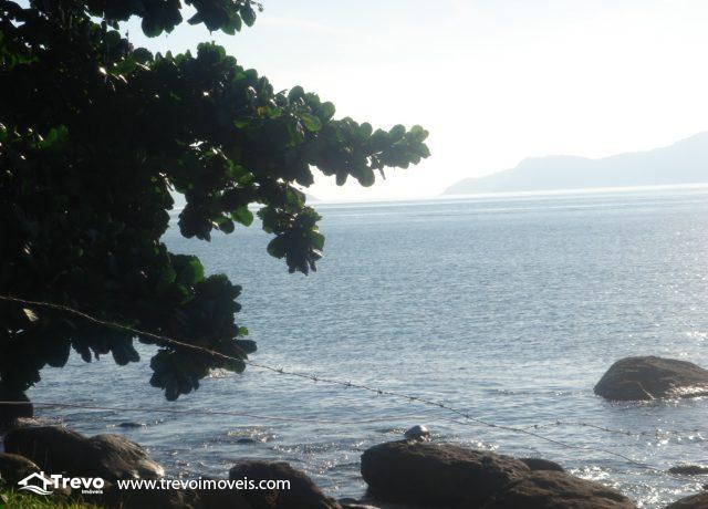 Lindo-terreno-de-costeira-a-venda-em-Ilhabela7