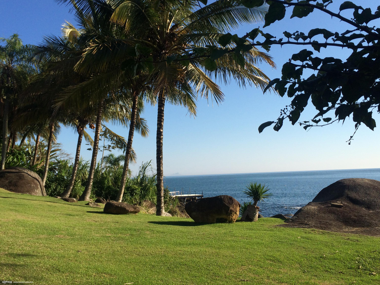 Terreno a venda em residencial fechado na costeira