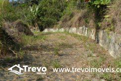 Lindo-terreno-a-venda-em-Ilhabela-perto-do-Vila12