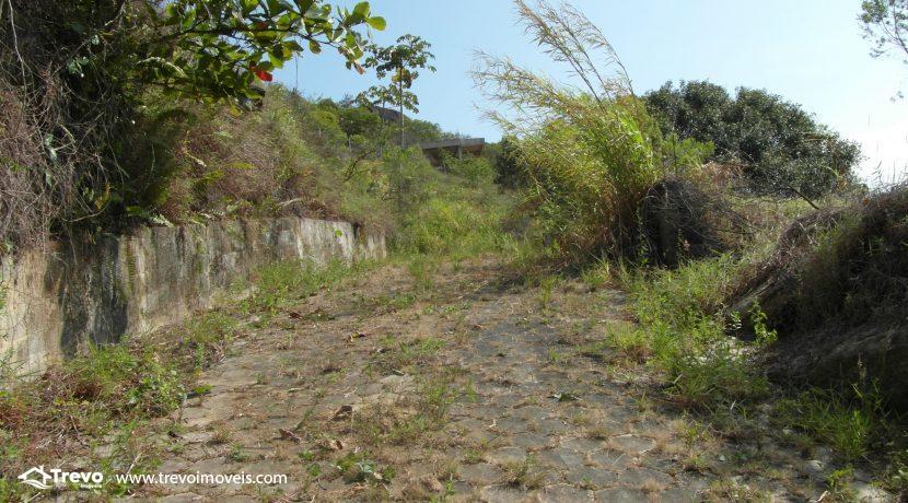 Lindo-terreno-a-venda-em-Ilhabela-perto-do-Vila13