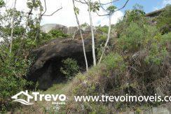 Lindo-terreno-a-venda-em-Ilhabela-perto-do-Vila14