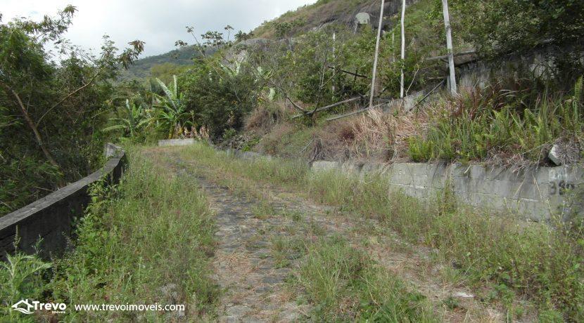 Lindo-terreno-a-venda-em-Ilhabela-perto-do-Vila19