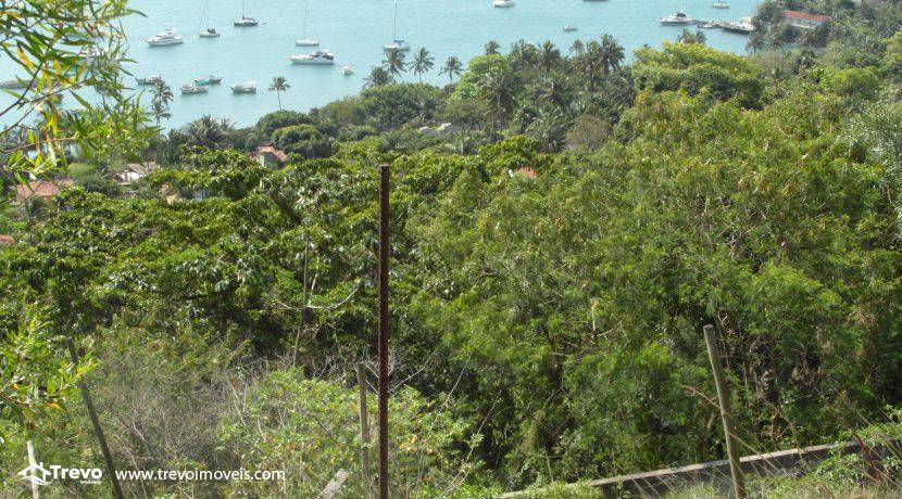 Lindo-terreno-a-venda-em-Ilhabela-perto-do-Vila2