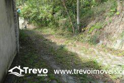 Lindo-terreno-a-venda-em-Ilhabela-perto-do-Vila20