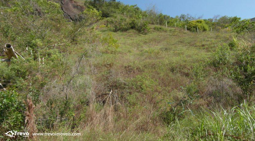 Lindo-terreno-a-venda-em-Ilhabela-perto-do-Vila7