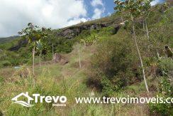 Lindo-terreno-a-venda-em-Ilhabela-perto-do-Vila8