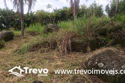 Lindo-terreno-de-costeira-a-venda-em-Ilhabela