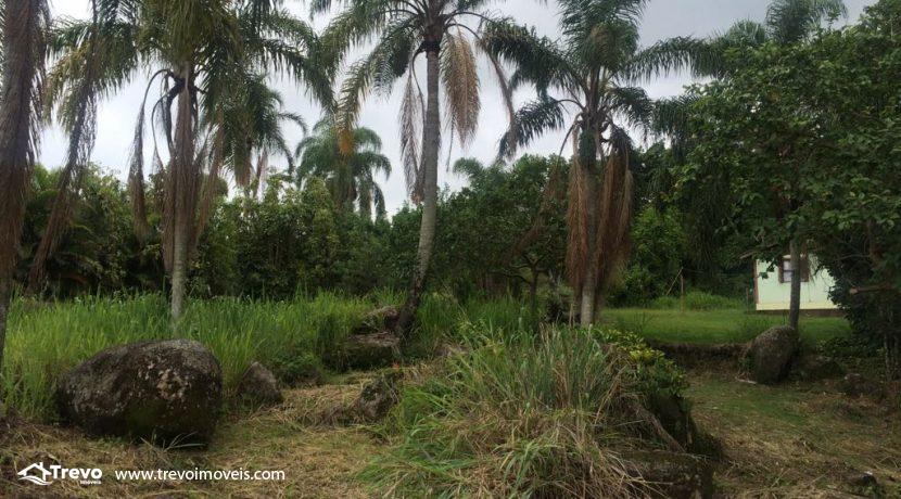 Lindo-terreno-de-costeira-a-venda-em-Ilhabela13