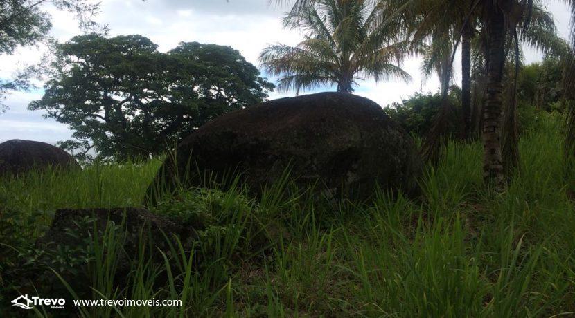 Lindo-terreno-de-costeira-a-venda-em-Ilhabela16