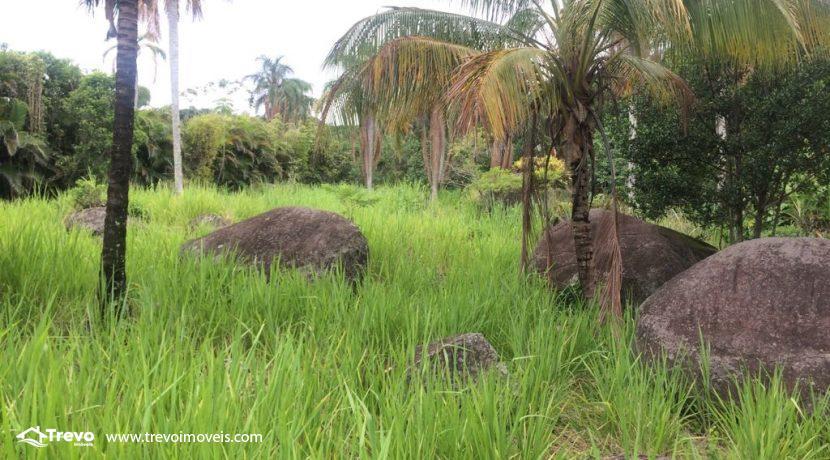 Lindo-terreno-de-costeira-a-venda-em-Ilhabela18