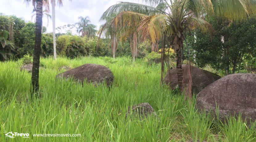 Lindo-terreno-de-costeira-a-venda-em-Ilhabela19