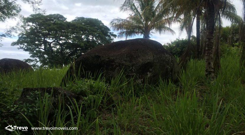 Lindo-terreno-de-costeira-a-venda-em-Ilhabela21
