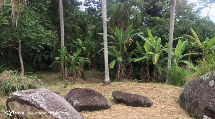 Lindo-terreno-de-costeira-a-venda-em-Ilhabela22