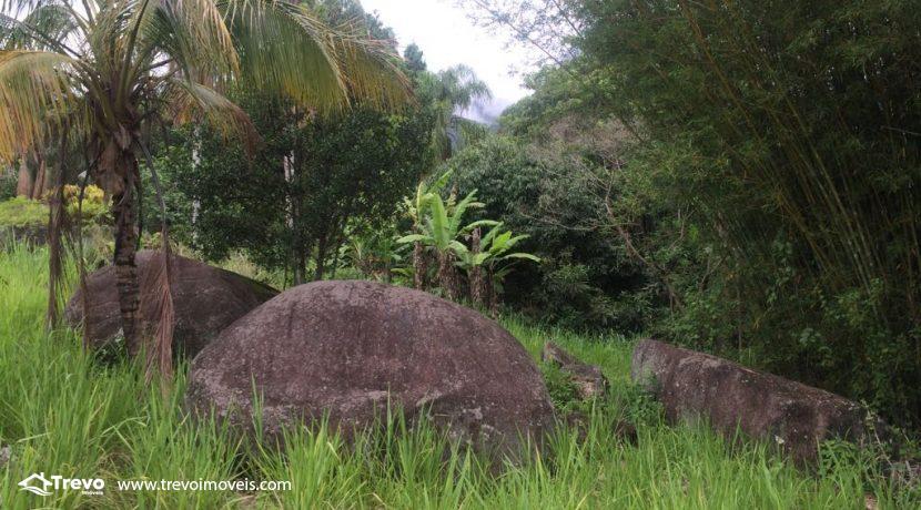 Lindo-terreno-de-costeira-a-venda-em-Ilhabela24